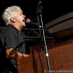 Ian McLagan & The Bump Band